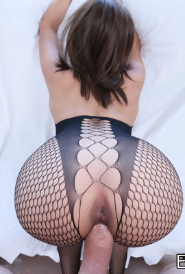 Fucked Aaliyah Hadid in black fishnet