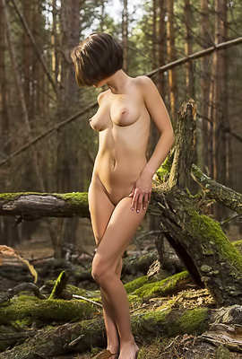 Dakota A - Photo shoot in the woods with a cute barely legal babe
