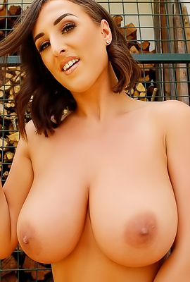 Stacey Poole Giant Boons Pictures