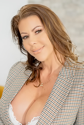 Alexis Fawx Makes All For Maximum Pleasure